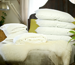 Double Euro size spring/autumn mulberry silk-filled duvet, silk-filled mattress topper and 4 silk-filled pillows