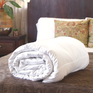 Hypo-allergenic silk-filled duvets for super king size bed from Silk Bedding Direct
