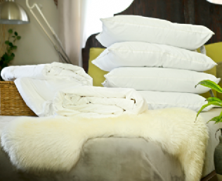 Silk-filled bedding set – queen size all-seasons silk-filled duvets with 4 silk-filled pillows