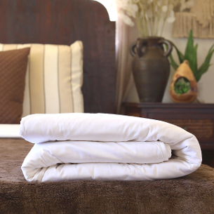 Hypo-allergenic silk-filled duvets for single bed from Silk Bedding Direct