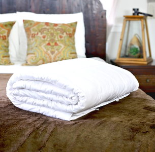 Hypo-allergenic silk-filled duvets for Euro single bed from Silk Bedding Direct