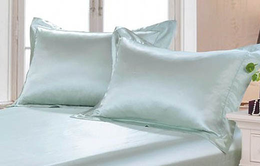 Silk filled pillows in silk pillowcases