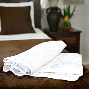 Hypo-allergenic silk-filled mattress pad for Euro single bed from Silk Bedding Direct
