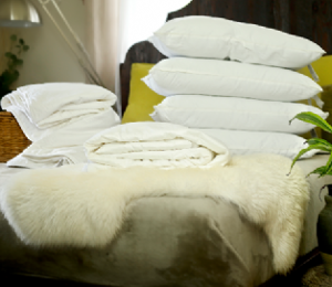 Super king size summer mulberry silk-filled duvet plus a mattress topper and 4 silk-filled pillows